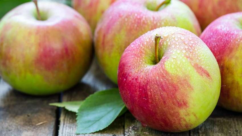 Топ-12 причин чаще есть яблоки