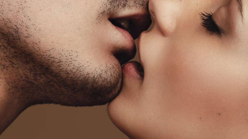 Шесть вирусов, которые передаются через поцелуи