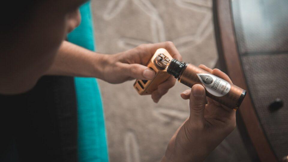 Медики предупредили о ранее неизвестном вреде электронных сигарет