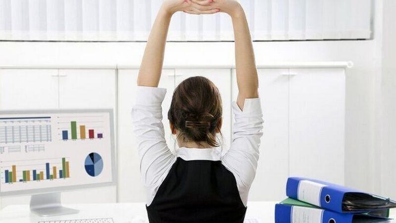 Медики рассказали об опасности удаленной работы для здоровья