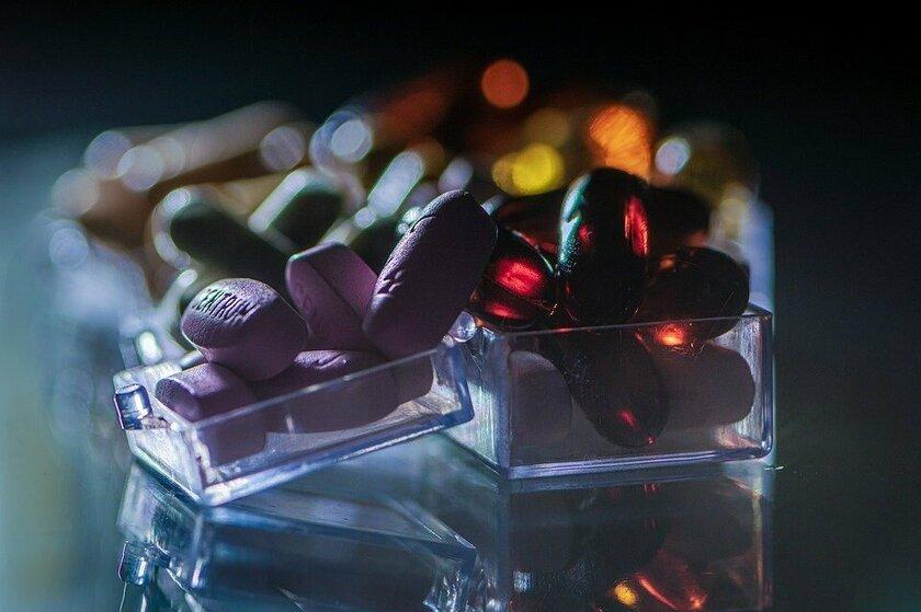 Ученые объяснили, в каких случаях действительно нужно пить поливитамины