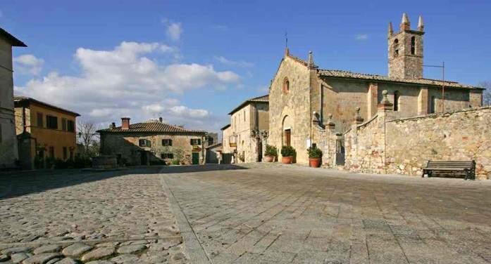 Средневековая итальянская деревня, которая покорила Данте. Фото