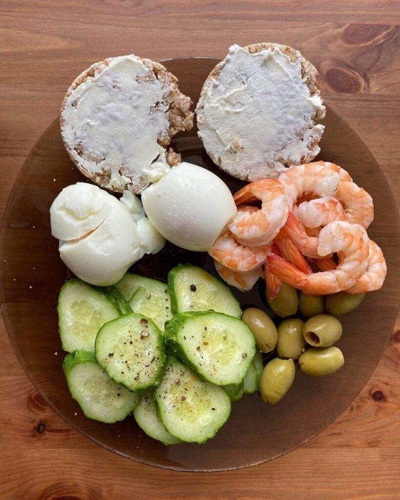 Похудение по методу тарелки: диетолог показала наглядные примеры