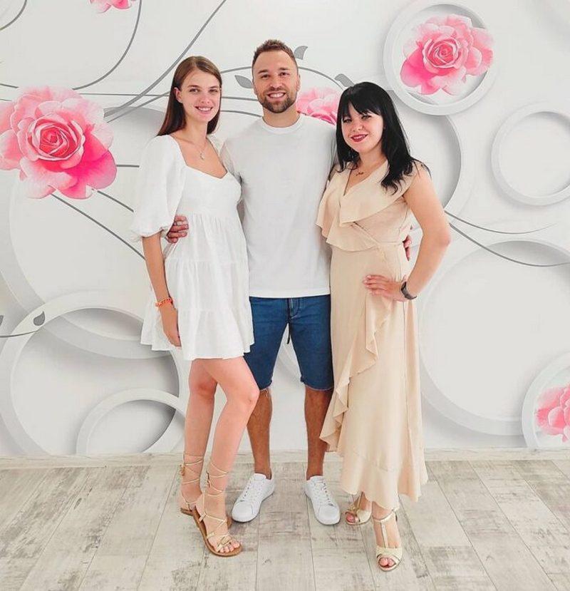 «Холостяк» Макс Михайлюк женился на матери своего ребенка: свадебные фото
