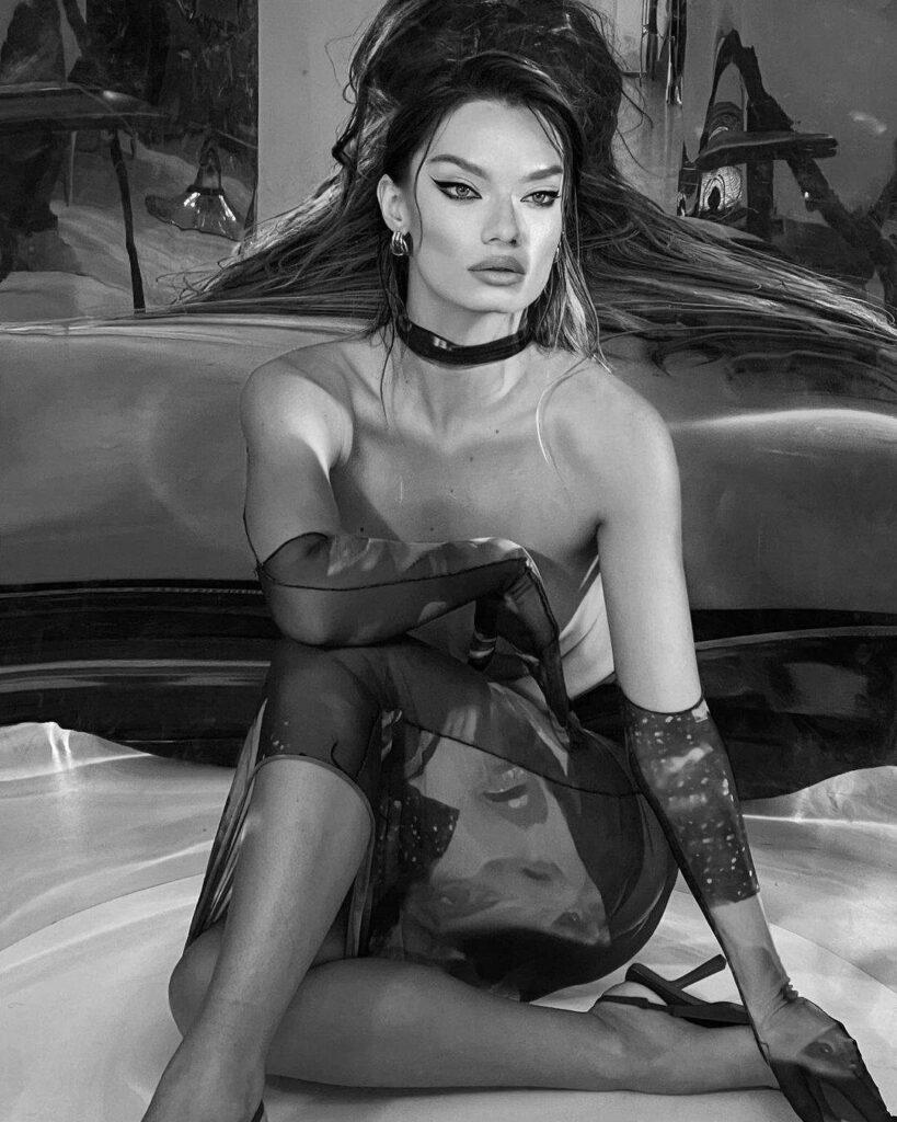 Известную украинскую модель сравнили с Анджелиной Джоли