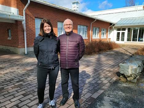 Teuvo Nieminen himself was a candidate in Valkeakoski's non-commitment.  Next to another joint list candidate, Mari Eklund.