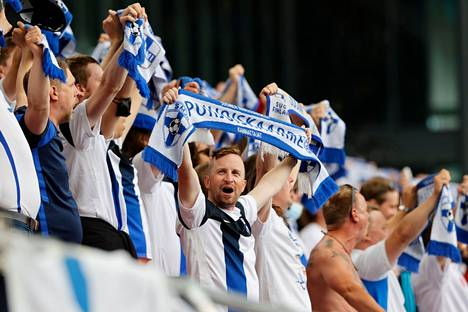 For Finnish supporters in the evening, Parken had a roller coaster of emotions.