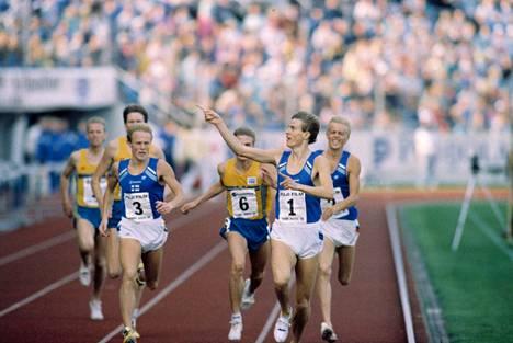 Ari Suhonen (1), Jari Venäläinen (3) and Jukka Savonheimo (2) celebrated a triple victory in the Swedish match in September 1988.