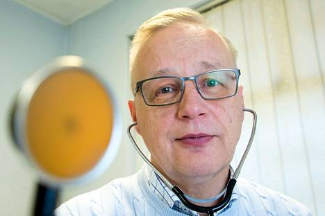 Markku Tuominen is the chief physician of the Finnish hockey national teams.