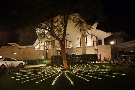 Raili and Reima Pietilä designed the Finnish Embassy in the evening light in Delhi, India in March 2006.