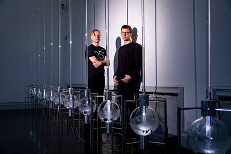 Tommi Grönlund (left) and Petteri Nisunen combined art and science in their exhibition at the Art Hall in 2017.