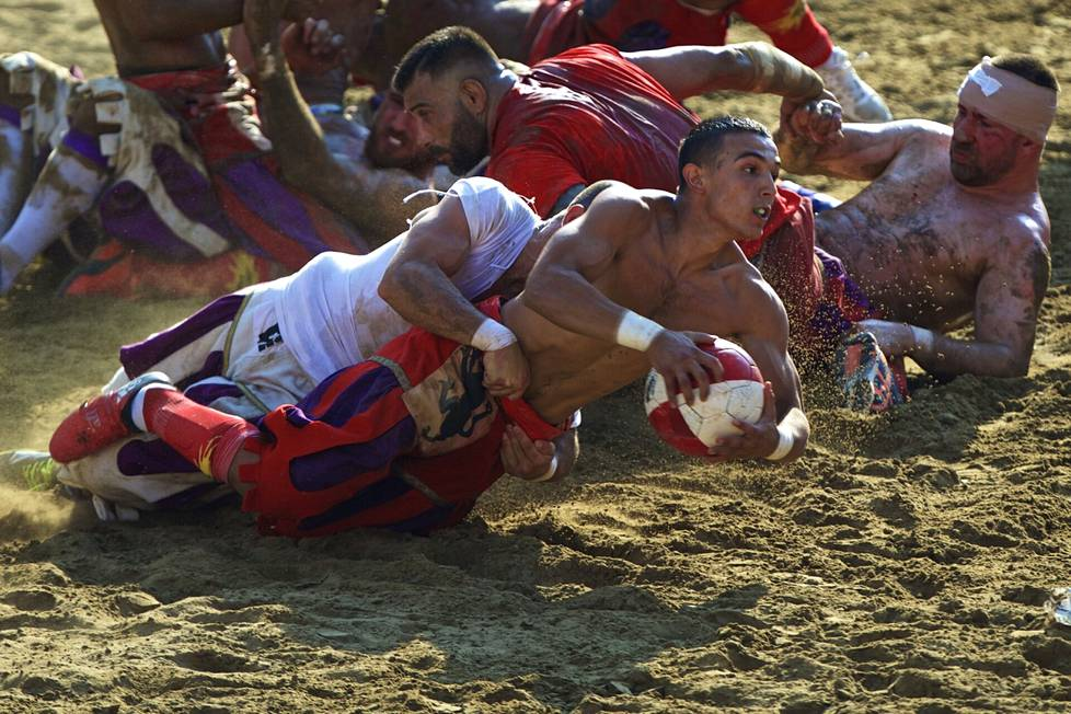 The 2017 calcio Storico match was played in Florence on June 25th.