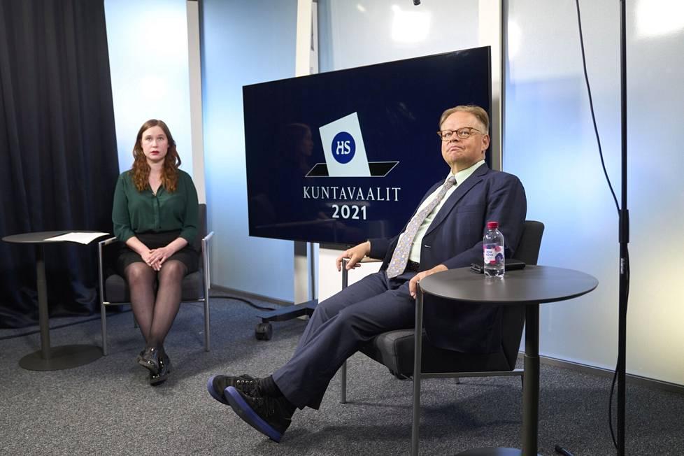 Journalist Veera Paananen interviewed Juhana Vartiainen about HS's broadcast.