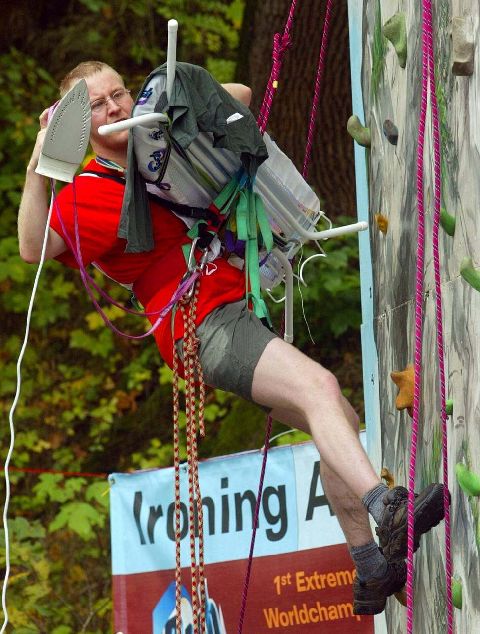 In connection with wall climbing, ironing was done at the World Championships in Extreme Ironing in 2002.