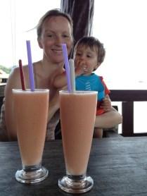 Julie & Niels mango shake.