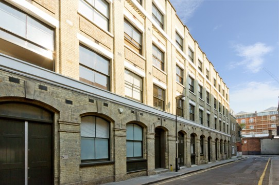 Authentic 2 Bedroom Loft Apartment in Dingley Place, Clerkenwell, EC1