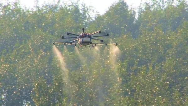 Large capacity spraying drone