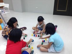 下午的休息時間,也是孩子彼此凝聚情感的時刻