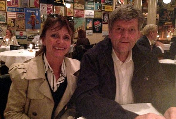 Ansgar Gabrielsen (t.h.), her sammen med Hege Ramm fra Best Western på BTC i Oslo 28. mars 2012.