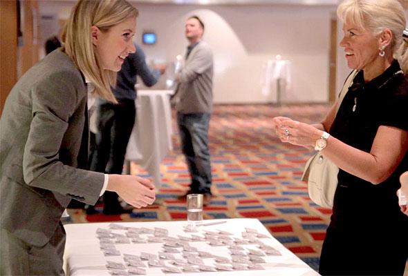 Deltagerne registrerer seg på HSMAI-dagen 2012