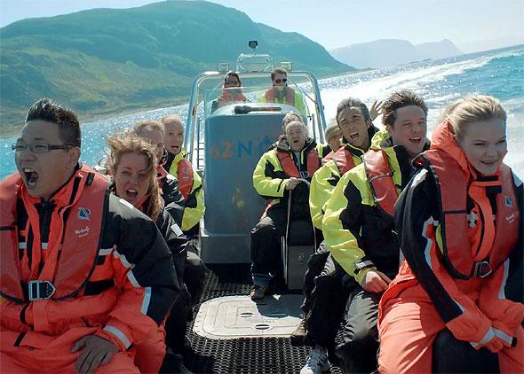 Skrikende båtturister. Foto fra Innovasjon Norge