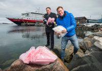 Hurtigruten til krig mot plast: Kutter engangsplast før sommeren