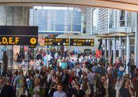 Moderat oppgang i flytrafikken i oktober
