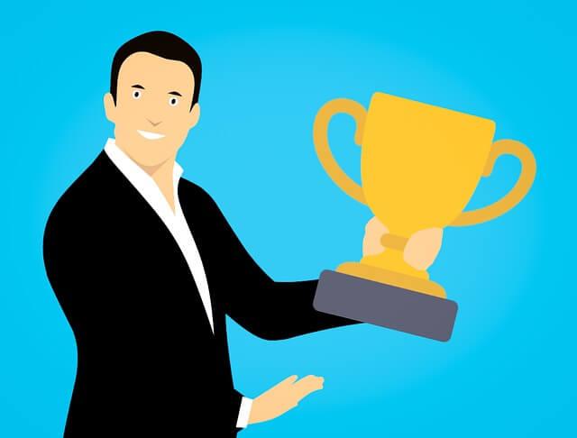 Als de partner van een narcist een pronkstuk is dat dient als een trofee: de trophy wife of husband.