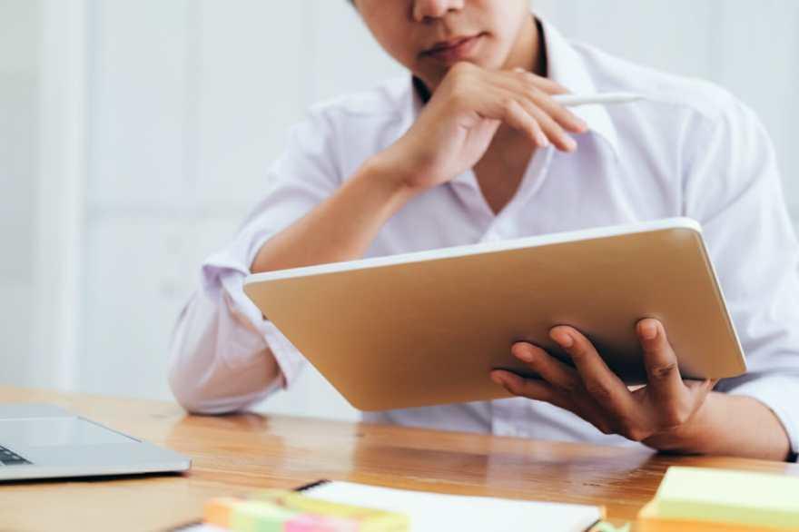 1.違法コンテンツ及び著作権を確認する