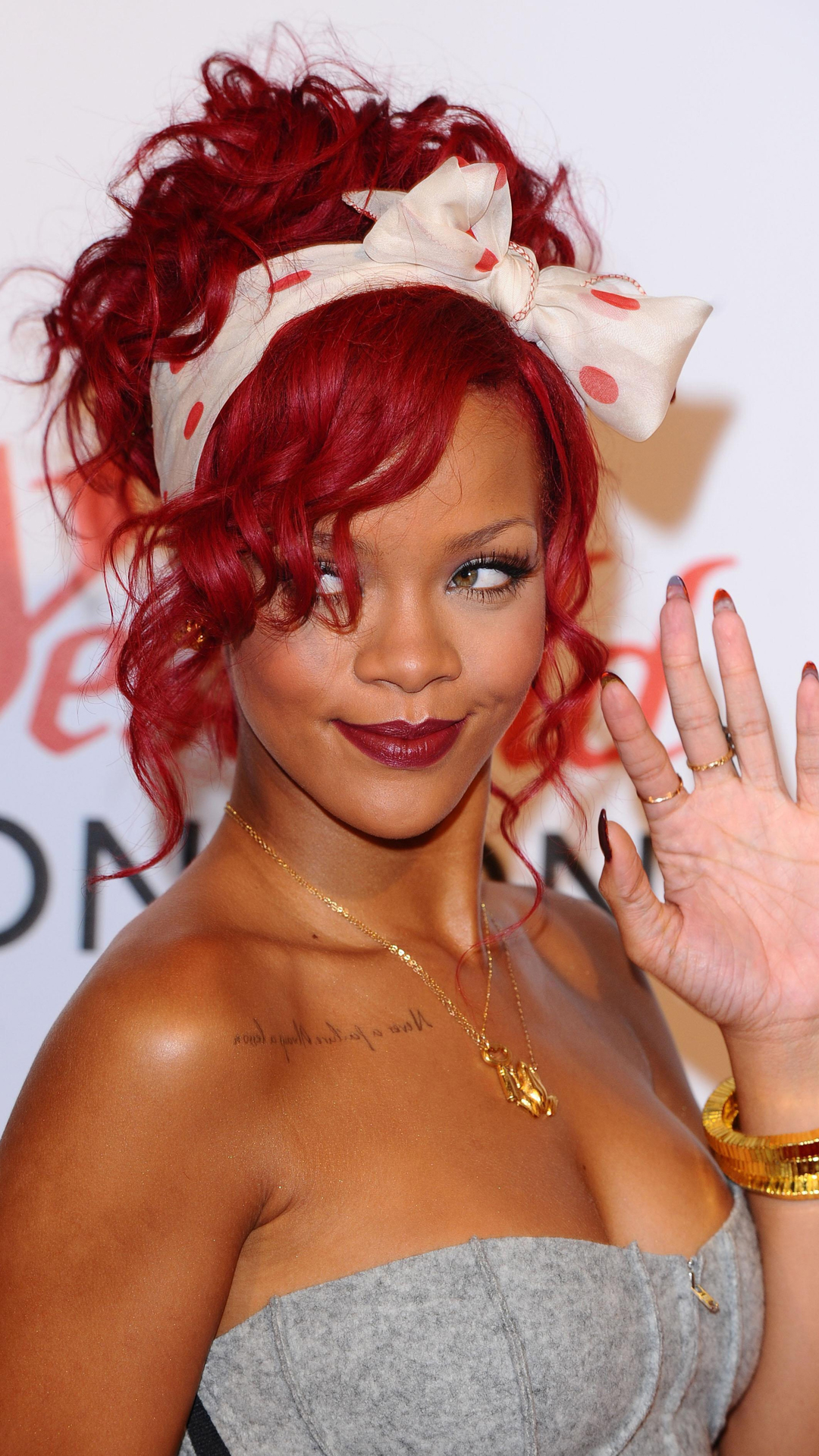 Easy A Girl Wallpapers Rihanna Htc One 1080x1920 Wallpaper Best Htc One Wallpapers