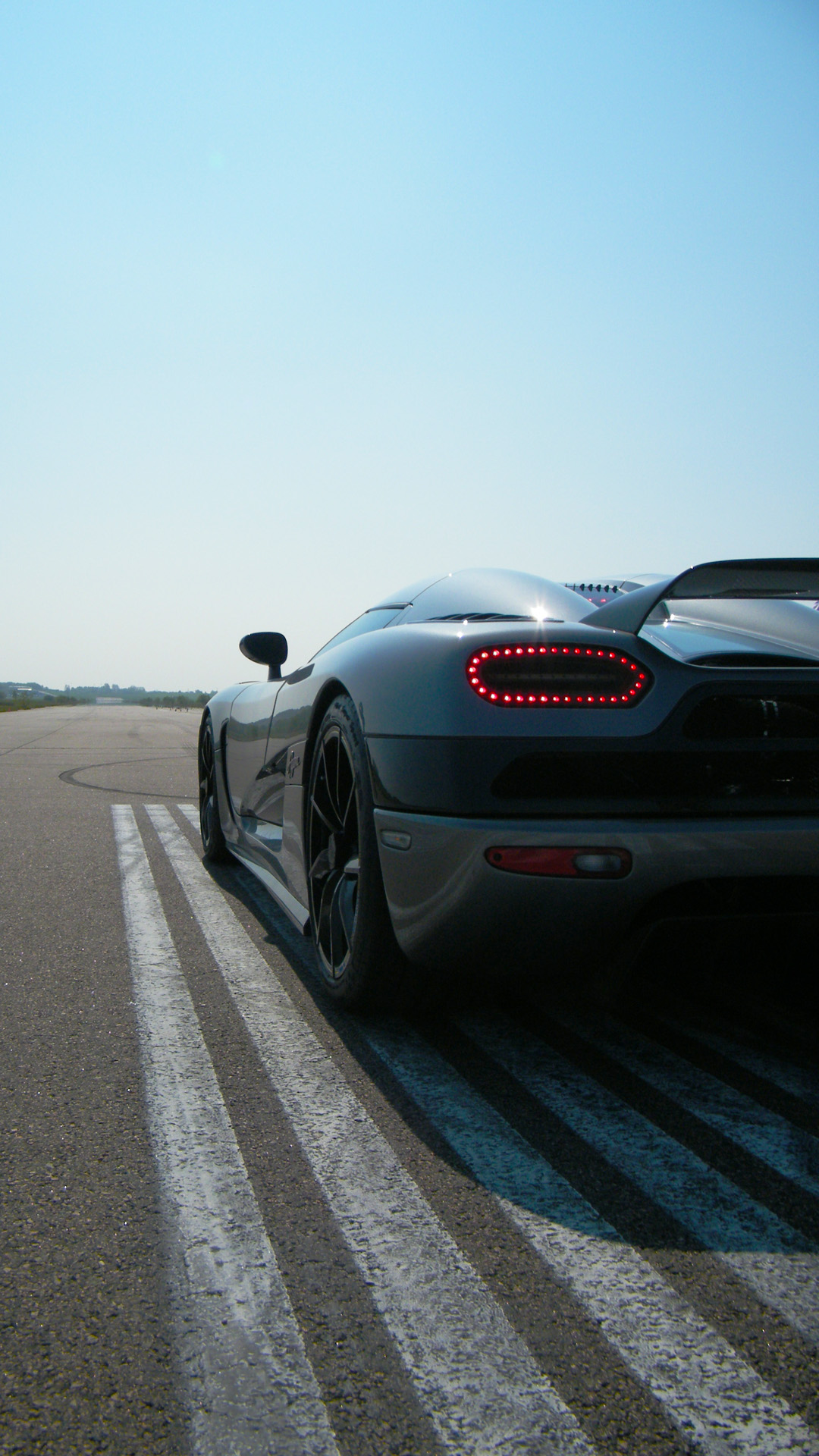Bugatti Cars Wallpapers Hd Free Download Black Koenigsegg Agera R Best Htc One Wallpapers