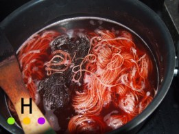 wool yarn dyeing in madder