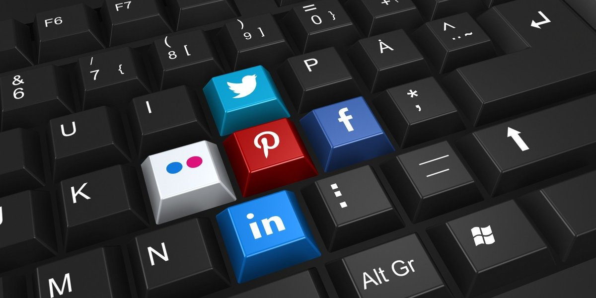 Social Network Logos on Keyboard
