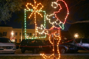 Holiday lights along the Manatee River on Barcarrota Boulevard in Bradenton.  (Herald-Tribune staff photo by Thomas Bender)