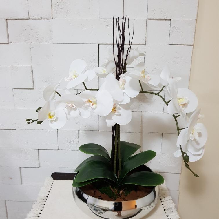 Arranjo Com 3 Orquideas Brancas De Silicone Vaso Baixo