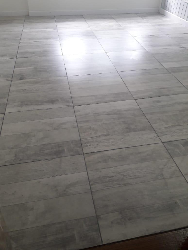 Ceramica Piso Imitacion Madera Satinada 51x51 Stage Gris
