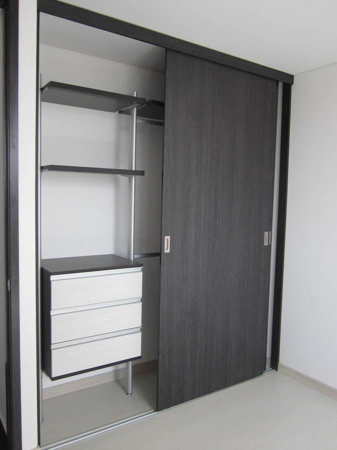Closet Puertas Corredizas A Medida  S 5000 en Mercado
