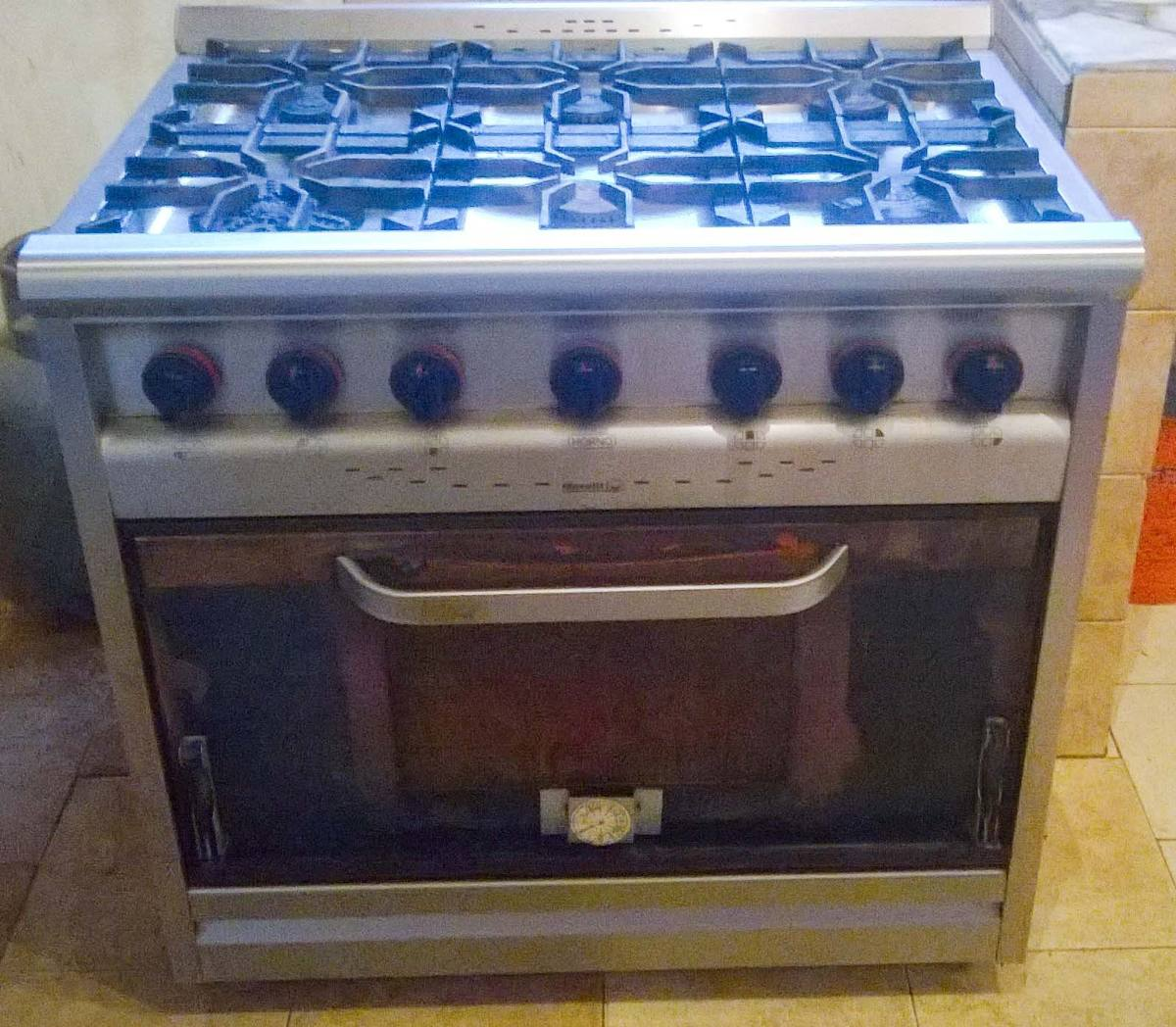 Cocina Industrial 6 Hornallas C Horno Morelli   11500