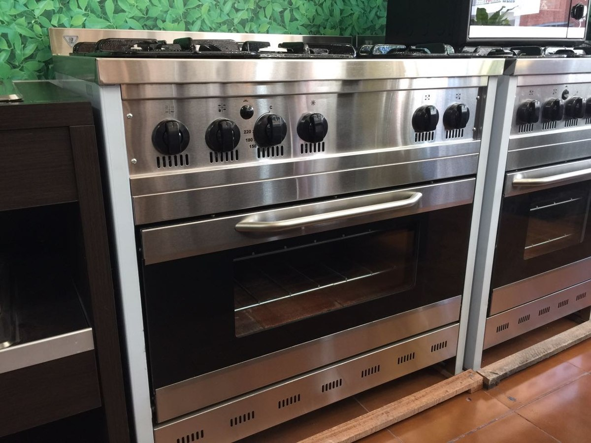 Cocina Semiindustrial Puertavidrio 90cm Corbelli