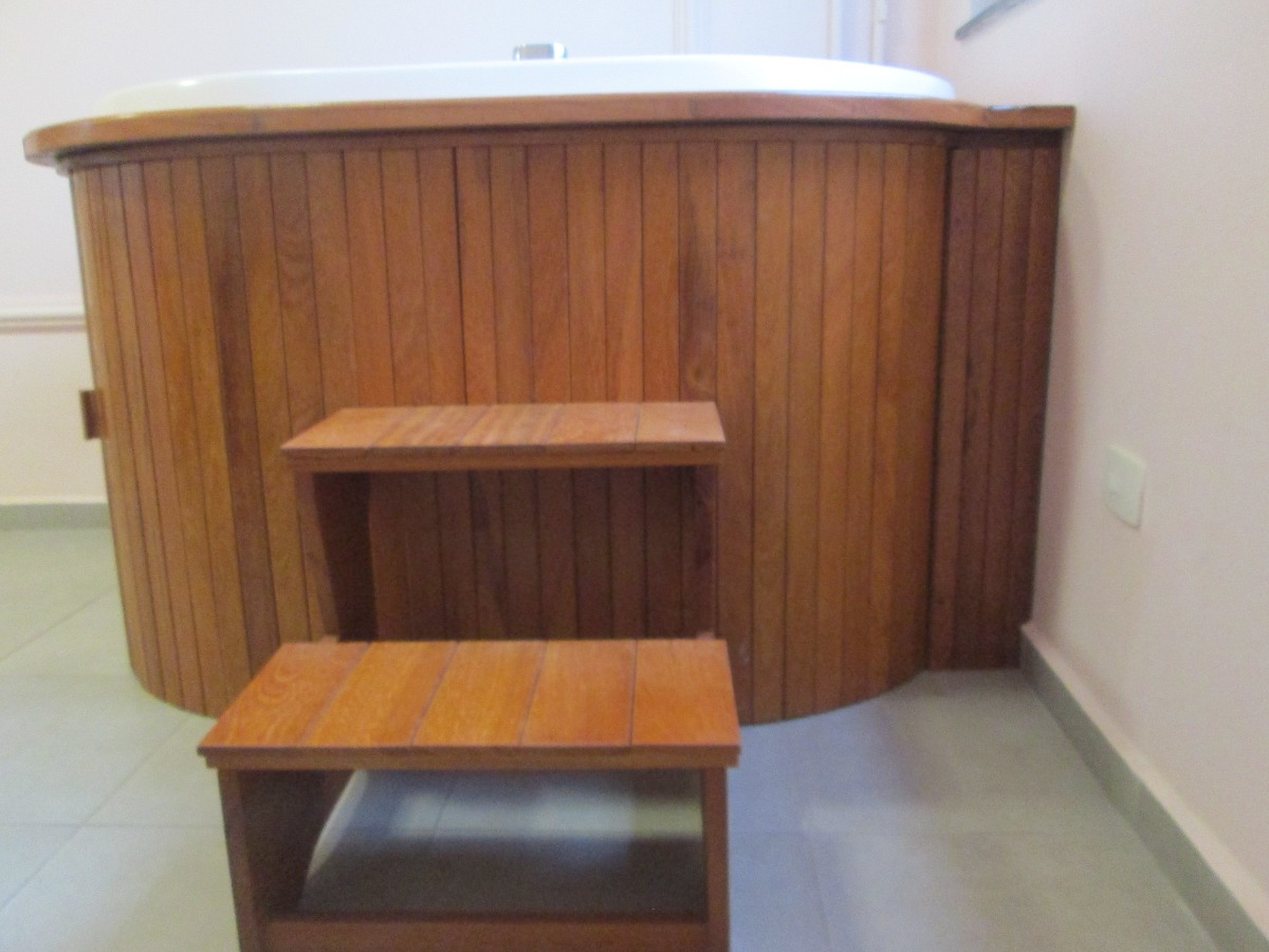 Escada Para Ofuro E Spa Madeira Envernizada Mais Barato  R 27000 em Mercado Livre