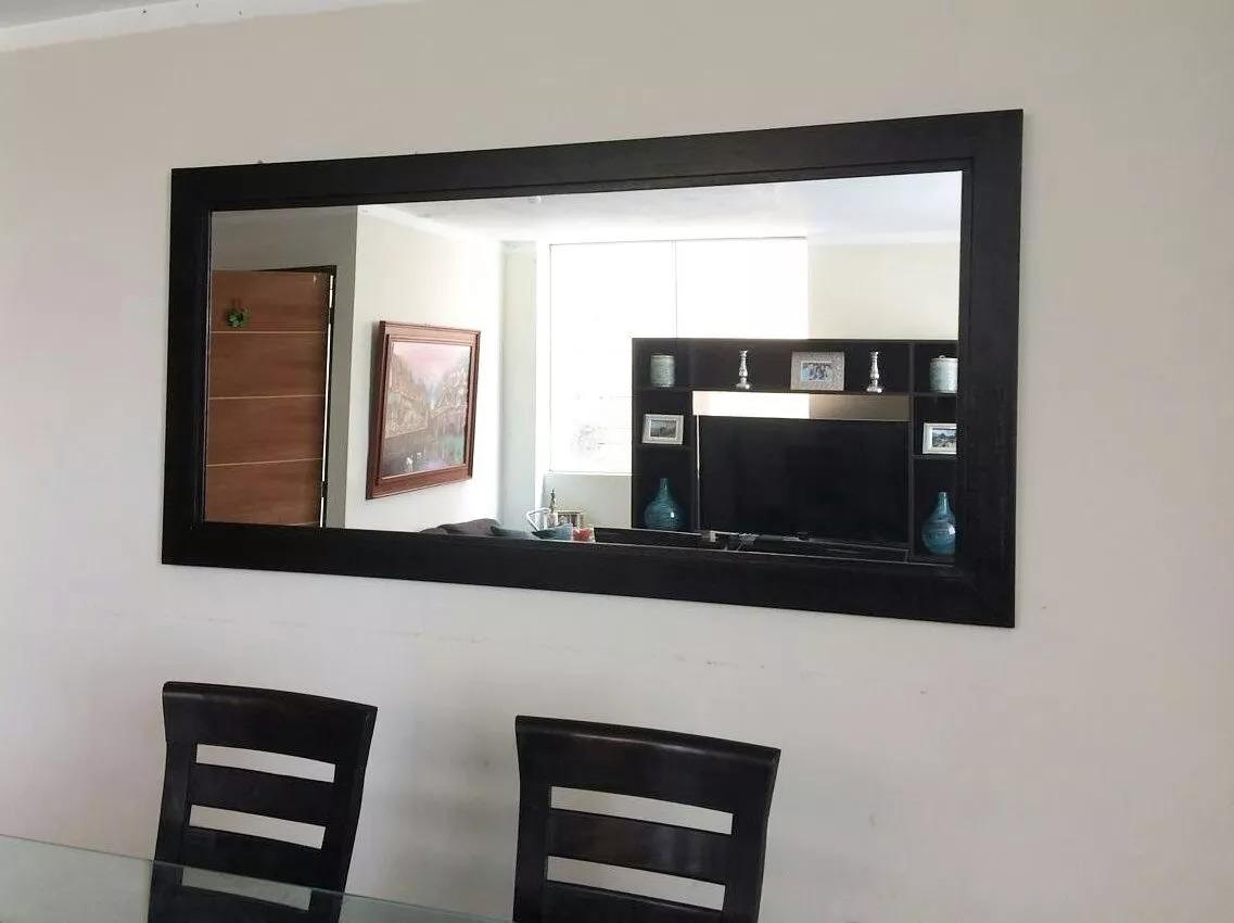 Espejo Decorativo Para Sala En Marco De Madera  Bs 599