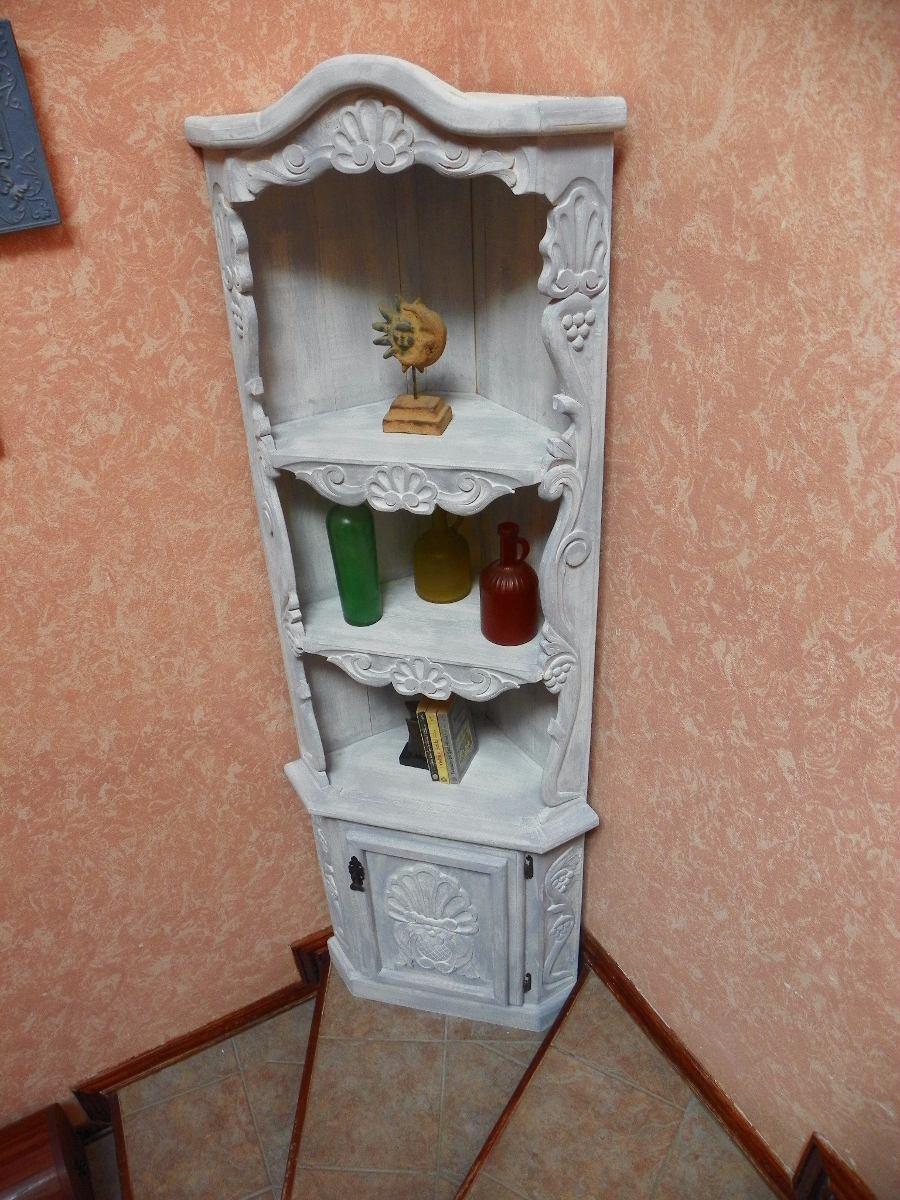 Esquinero Vintage Tallado En Madera Con Decapado Antiguo
