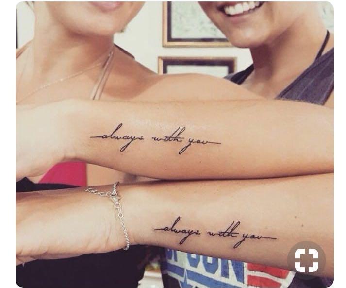Frase Foto 1 Tipografía Foto 2 Tattoo Seña X4 Amigas