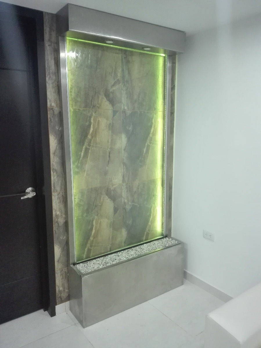 Fuentes De Agua Espejos Cascadas Y Paredes Lloronas