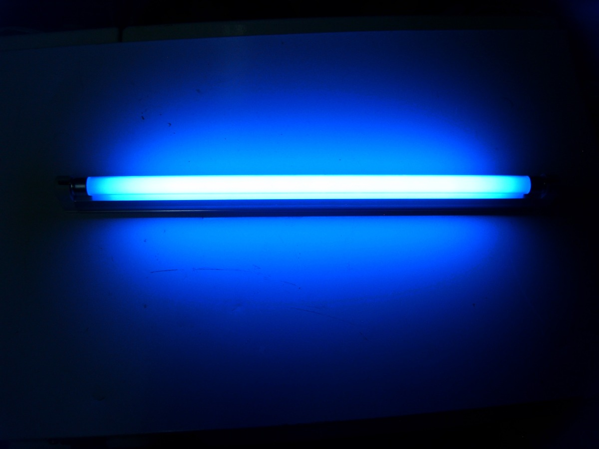 Gabinete Tubo 8 Watt Blue Light Para Pecera   34900 en