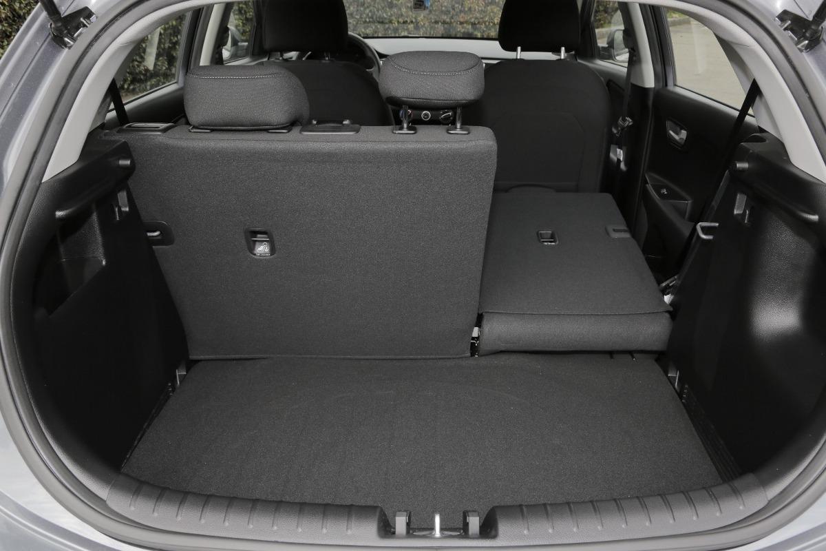 Kia Rio Hatchback 2019 Mecnico Negro   52090000 en