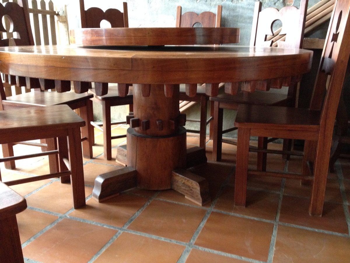 Mesa Em Madeira Macia Com Tampo Giratorio E 8 Cadeiras  R 1686000 em Mercado Livre