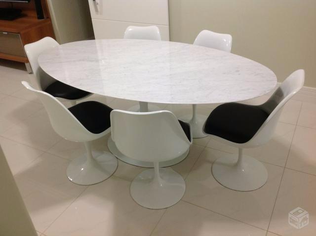 Mesa Saarinen Carrara Oval 160 X 090 Com 6 Cadeiras