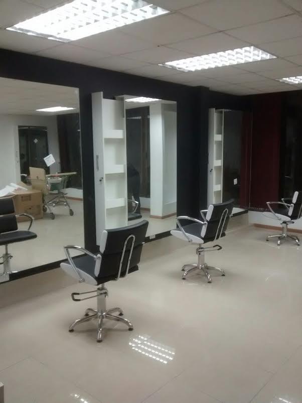 Mesas Manicure Y Muebles Para Salones De Belleza