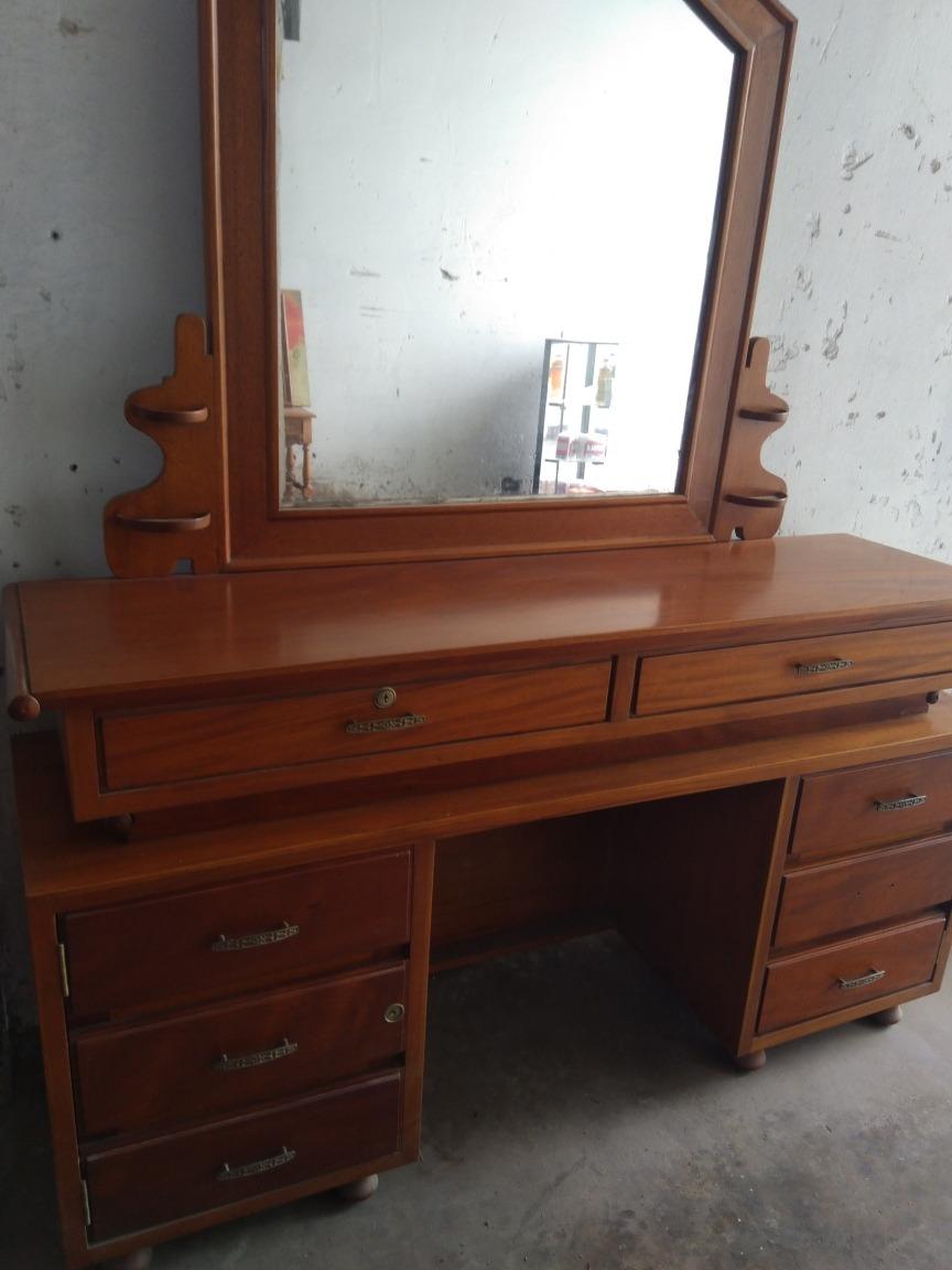 Mueble Tocador De Madera Caoba Y Cedro  S 150000 en